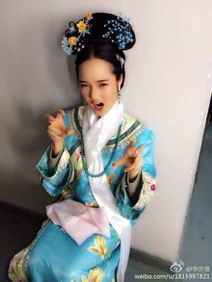 中戏校花妩媚迷人被赞清纯女神(组图)
