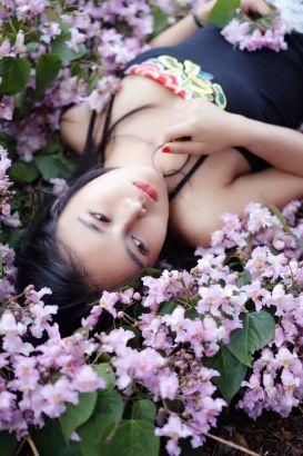 20岁佤族少女美艳夺目被赞双面娇娃(图)