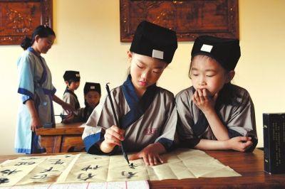 越来越多的国际学校在教学中融入传统文化的内容