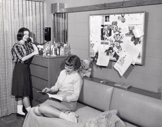 上个世纪五十年代的女生宿舍。