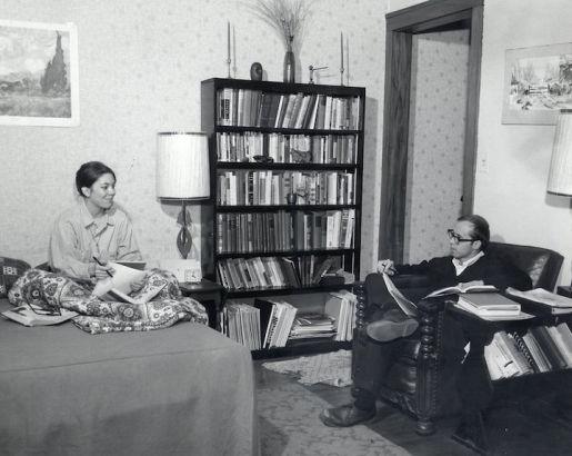 该校六十年代依旧给结婚学生提供单独宿舍。