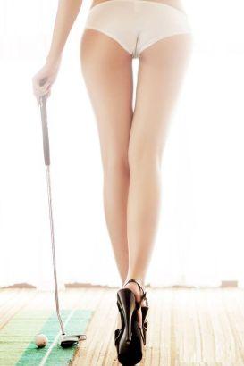 高球女郎性感挥杆 超长腿叫板1.15米纪录
