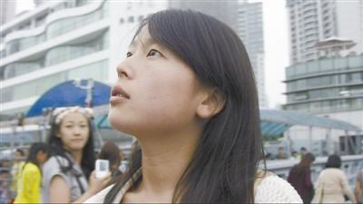 ②实习即将结束时,刘艳霞被告知无法留用,开始寻找新工作的她陷入了迷茫。