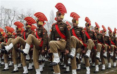 印度士兵头顶扇子