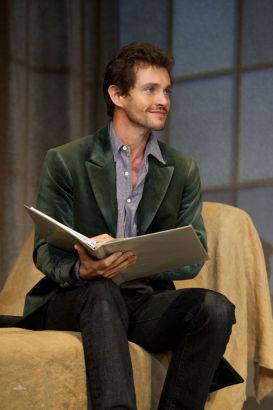最近凭借《汉尼拔》大火的休•丹西毕业于牛津大学英国文学系。
