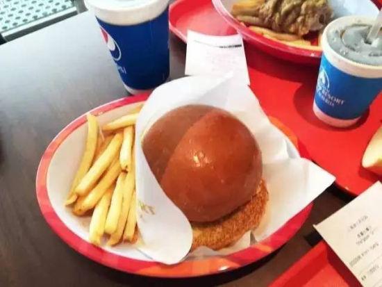 上海迪士尼75软妹币的汉堡套餐