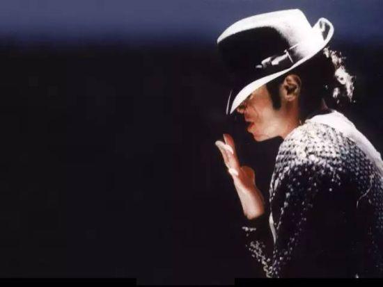 处女座名人:迈克尔杰克逊