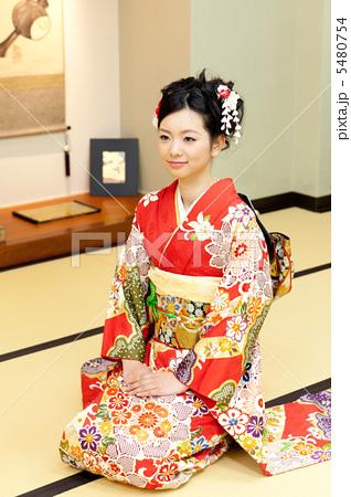 日本人为何喜欢跪