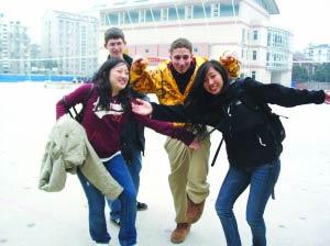 海外学生:美国高中生v学生苦不苦(图)见闻视频av高中图片