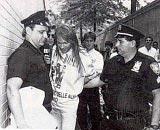 埃克塞尔-罗斯曾多次入狱