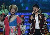 宗庸卓玛(左)与扎西顿珠
