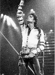 迈克尔-杰克逊去世前曾被抢救一小时(图)