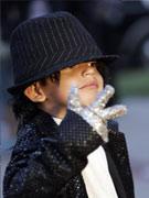 5岁男童扮Q版杰克逊