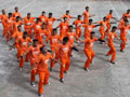 菲律宾囚犯模仿杰克逊