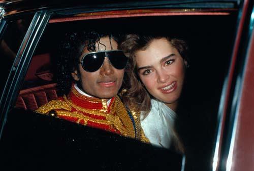 """迈克尔-杰克逊:""""楚门""""离开了他的世界(图)"""