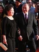 吴宇森与夫人牛春龙