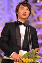 陈久凭《母亲》获最佳男配角奖