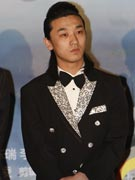 刘峰超帅气亮相