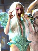 Lady Gaga张牙舞爪