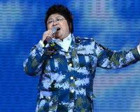 韩红演唱《我爱祖国的蓝天》