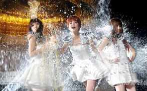 SHE新碟即将发行 首波主打MV打造摇滚女王