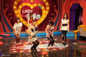 星空卫视《lady呱呱》_影音娱乐_新浪网fan698