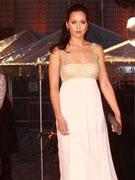 贝安琪白裙优雅