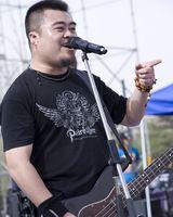 窒息乐队主唱刘铮