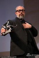 伊格来希亚凭《小号曲》获最佳导演银狮奖