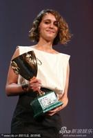 马里亚纳-拉贝德凭《爱登堡》获影后