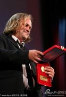 《沉默的灵魂》获最佳摄影影片代表领奖
