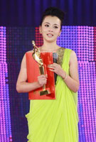 王嘉凭《惊天动地》获最佳女配角奖