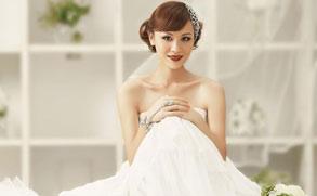 叶一茜宣传新歌 新娘大片幸福洋溢