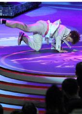 《街舞狂潮》演员现场秀舞