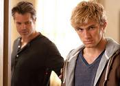 约翰与守护者亨利