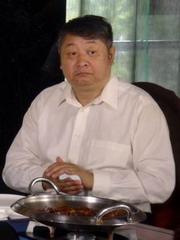 方子哥饰丁副院长