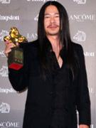 陈泰翔凭《完美落地》获最佳原创电影歌曲奖