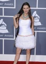 艾莉西亚白色小短裙