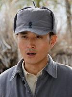杨峰饰钱涛