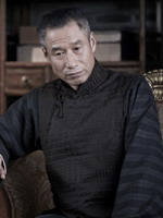 刘佩琦饰肖国松
