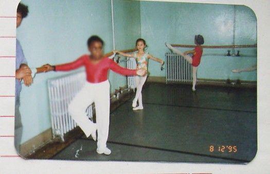 刘诗诗认真学芭蕾