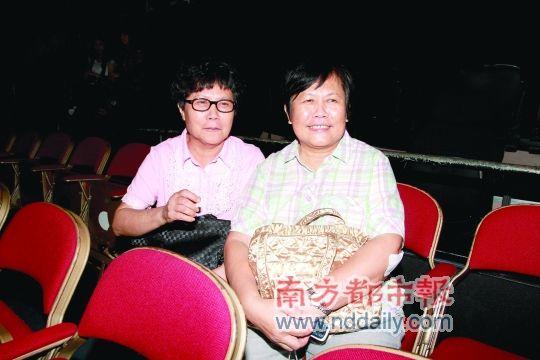 罗文的姐姐和妹妹如今还在广州生活。