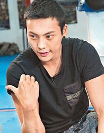 陈伟霆:不知道真还是假,如果是真的当然不可以。
