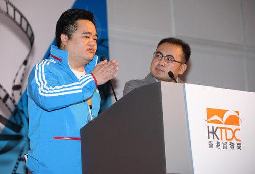 《一路向西》导演胡耀辉与论坛主持人魏君子