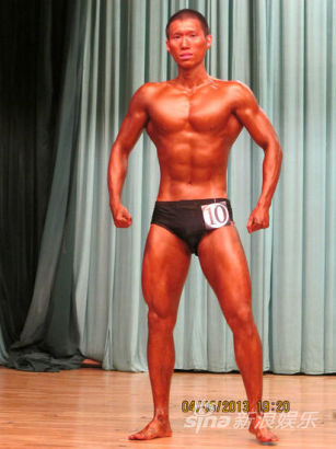 清华学霸健美比赛展傲人肌肉身材