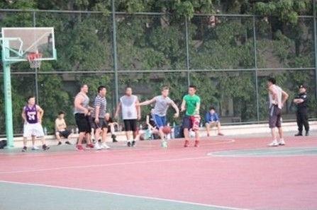 后街男孩南京校园打篮球