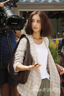 张歆艺在拍摄现场