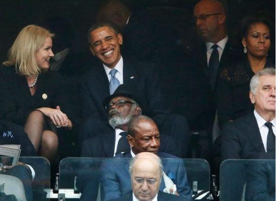 奥巴马与丹麦女首相玩亲密自拍 米歇尔吃醋扭头生气