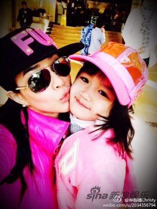 钟丽缇[微博]和女儿