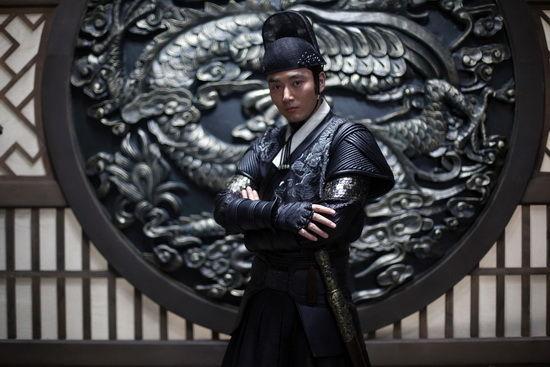 李东学在《飞鱼服绣春刀》的锦衣卫造型